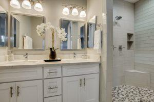 Arizona Real Estate-Master Bathroom 18th Place